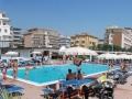 tokio-rossi-panoramica-piscina